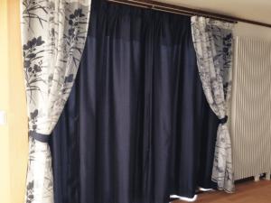 見せるレースのカーテン